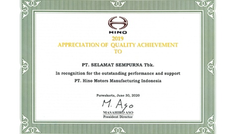 "PT Selamat Sempurna Tbk (SMSM) received Appreciation in category ""Quality Achievement in 2019"" from HINO"